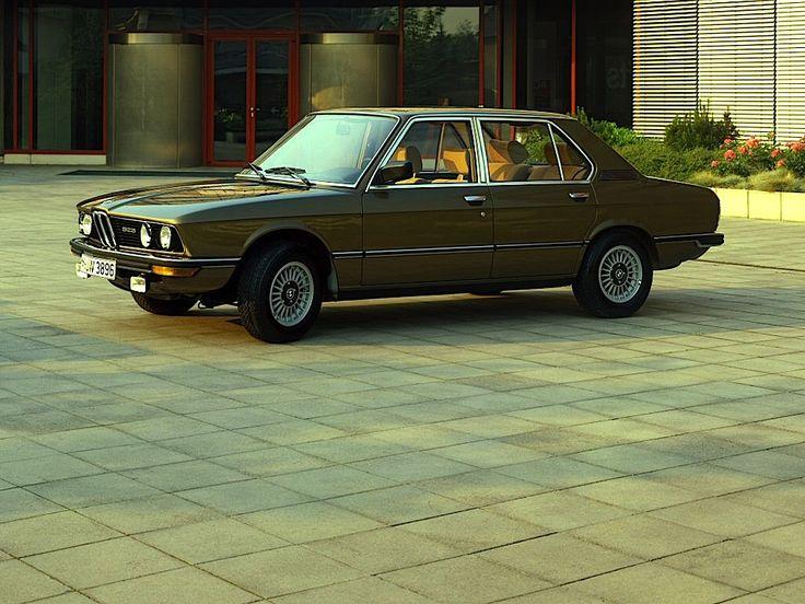 BMW 525 (E12)   by Auto Clasico