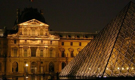 el-louvre-hostales-paris