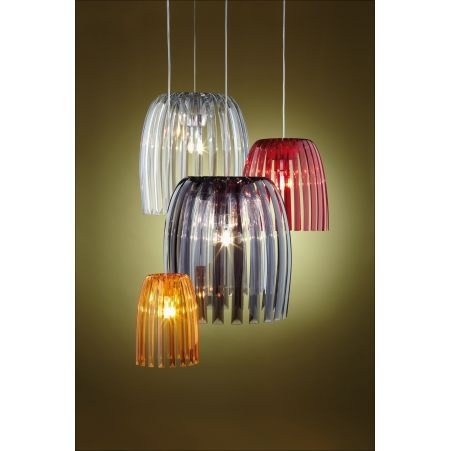 Nowoczesna i elegancka lampa niemieckiej marki Koziol. Produkt został wykonany z tworzywa sztucznego. Lampa posiada kulisty kształt.. Produkt doskonale prezentuje się w nowoczesnych wnętrzach. Produkt dostępny jest w trzech wersjach kolorystycznych.