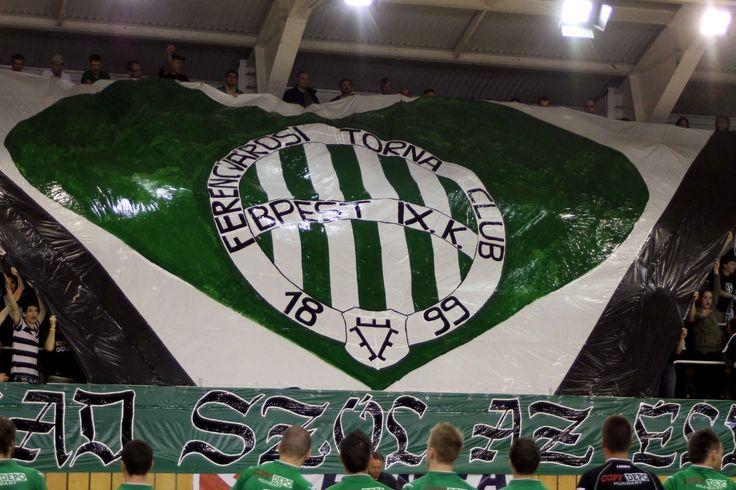 A Ferencváros nyerte meg az Újpest elleni örökrangadót. A vasárnap délután megrendezett mérkőzésen 3-1-re nyert a Fradi a Puskás Ferenc Stadionban. Színvonalas, izgalmas és jó iramú mérkőzést hozott az örökrangadó, melyet a Puskák Ferenc Stadionban rendeztek meg, a Fradi pálya építése miatt. A helyszínen 22.000 néző követte figyelemmel az összecsapást, amire már több, mint 17 […]