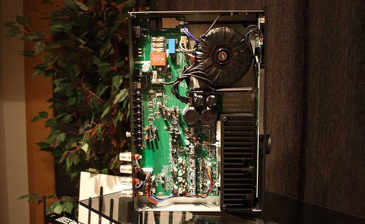 Velmi dobrý integrovaný zesilovač od britských Arcam , to je FMJ A29.  Více na http://www.hifi-voice.com/testy-a-recenze/zesilovace-integrovane/1203-arcam-fmj-a29