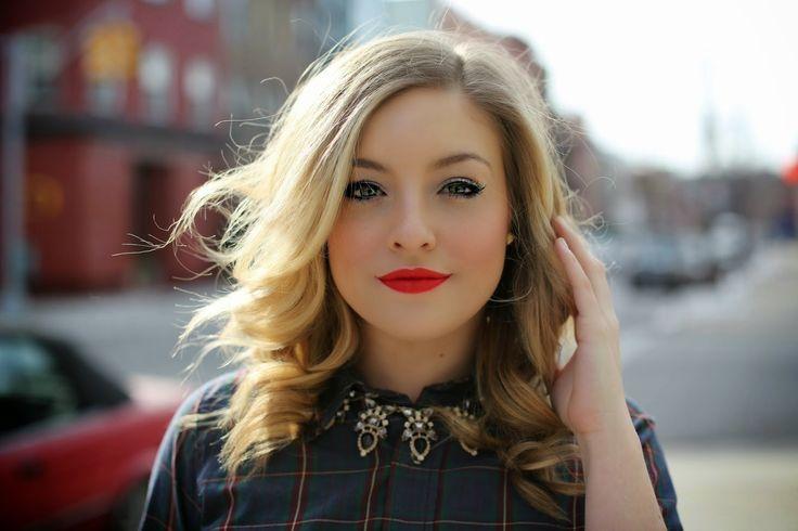 Lip Service: A Lipstick Love StoryRach Martino