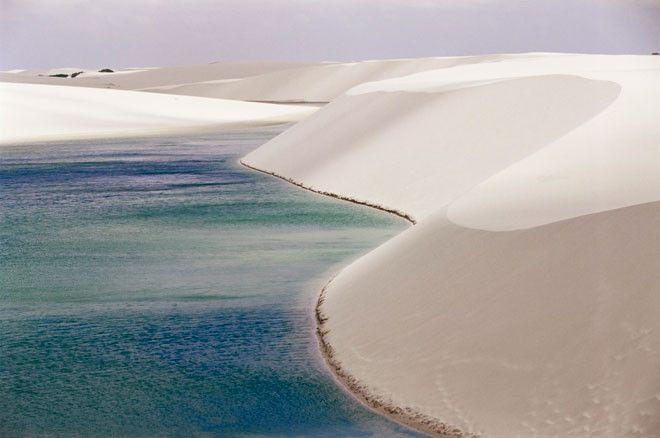 El Parque Nacional de los Lençóis Maranhenses, los brasileños tienen otra Lagoa Azul.