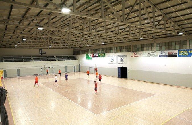 Santo Tirso sportcomplex - Portugal: verbeterde gebruikerservaring en visueel comfort met de OMNIstar LED oplossing van Schréder