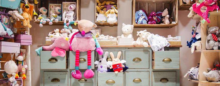 Découvrez la e-boutique ChoO Choo est attentif aux besoins de tous les enfants et mamans. Nous sélectionnons pour vous un très grand choix d'articles adaptés à tous les budgets : mobilier pour la chambre et la salle de bain, jouets, vêtements, draps, poussettes, parcs, puériculture, accessoires...  La qualité est essentielle, et pour votre confort, Choo propose aux futures mamans, nouveau-nés et jeunes enfants les meilleurs marques.