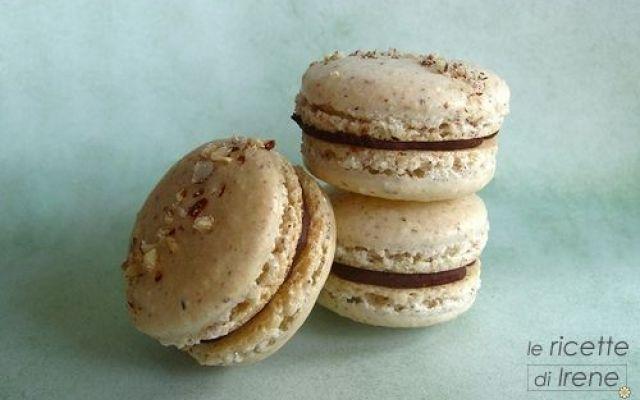 Ricetta macarons alla nocciola Grazie a questa buonissima ricetta, imparerete a realizzare i famosissimi deliziosissimi bellissimi nonché gustosissimi Macarons!! vi guiderò passo dopo passo e riuscirete sicuramente a realizzare i #macarons