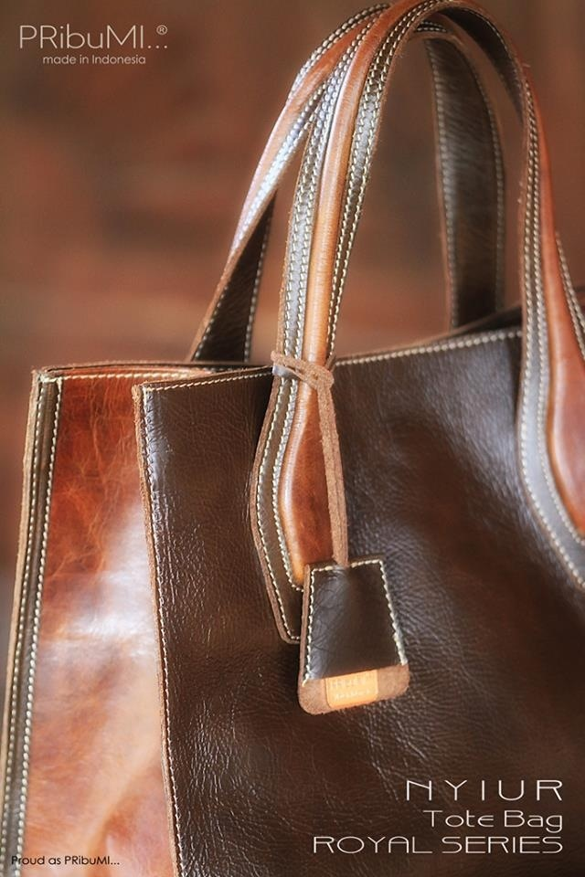 ROYAL SERIES Exclusive Handbags, Footwear & Small Leather Goods in genuine leather 100% handmade by PRibuMI...