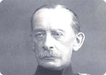 Alfred von Schlieffen, Deze snorremans, was voor Duitsland eenorm van belang, in de WO 1. Duitsland kreeg namelijk te maken met een TWEEFRONTENOORLOG --> Van 2 kanten (tegelijk) aangevallen worden. DU had oorlog met FR en RUS Alfred bedacht een plan, waarbij Duitsland eerst met 100% van hun leger, FR aanvielen Hierna zouden ze RUS met (de overgebleven) 100% aanvallen Dit deden ze, omdat ze dachten dat RUS een trage mobilisatie had, DACHTEN ze...