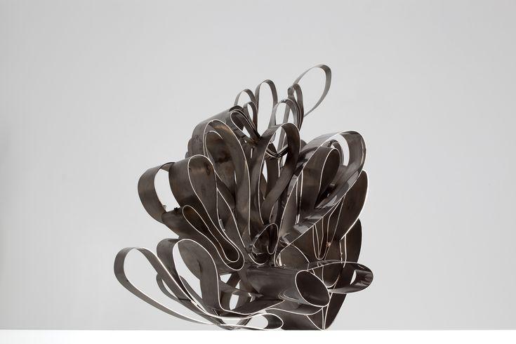 Siamesas (Serie de acero sobre acero) - Feliza Bursztyn
