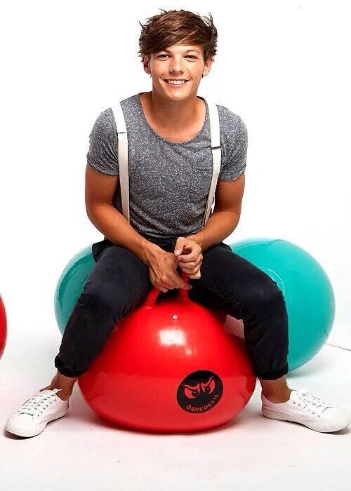 Louis - One Direction || unseen photo from Teen Now Magazine photoshoot // 2011