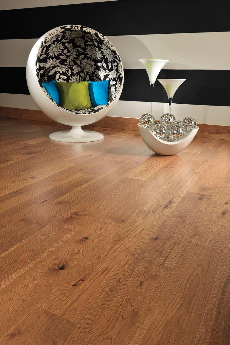 Collection Admiration   Plancher de bois franc fait de hickory au look d'antan de couleur Sienna