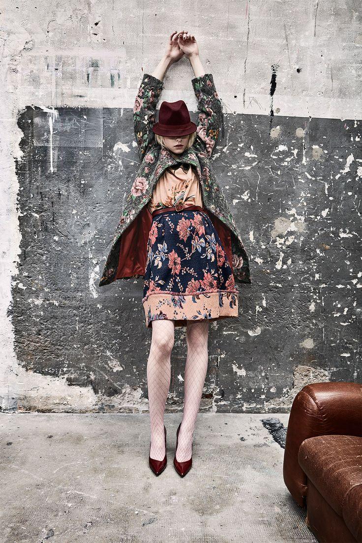 Scopri le ultime tendenze Japan Memories per un look più glamour! Acquista gli ultimi arrivi Donna della collezione Autunno Inverno 2016 sullo shop di Sisley!