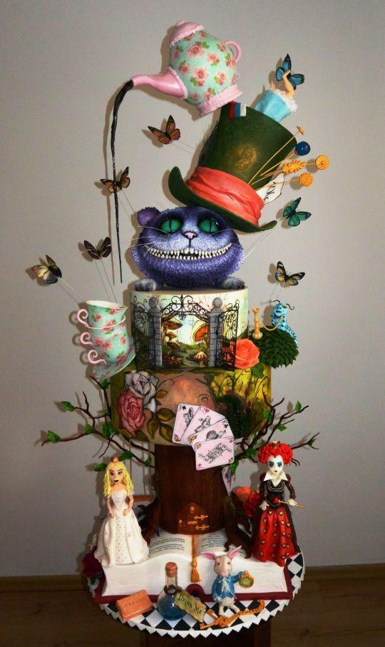 Alice in wonderland cake :)