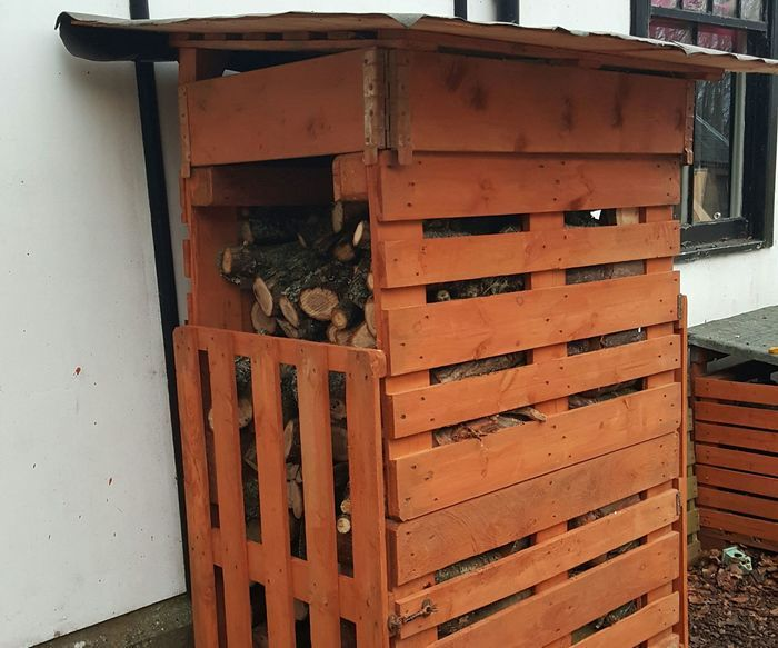 Top Pallet Projects | Euro Pallet Log Shed - 7 Foot High Approx