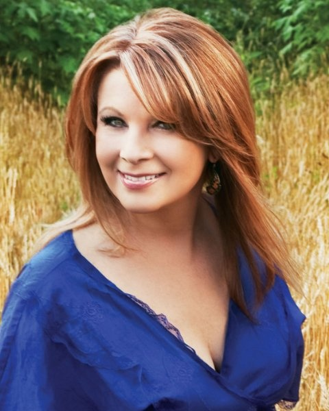 Patty Loveless - I fell in love with TIMBER, I'M FALLIN' IN LOVE!!!