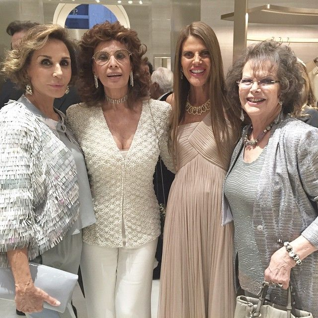 annadellorusso: Italian legends Sophia Loren and Claudia Cardinale at an Armani store opening