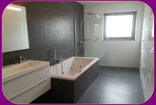 Marmer Badkamertegels ~ Badkamer 2 bij 4 met grote inloop douche strakke wand en vloer tegels