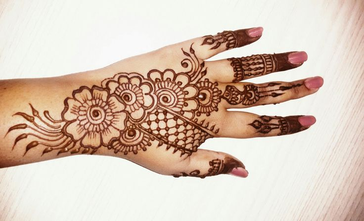 hii all, here is a video for simple and easy beautiful mehndi design subscribe for more videos:https://www.youtube.com/channel/UCECgulN13NACgO49LRXeQpA faceb...