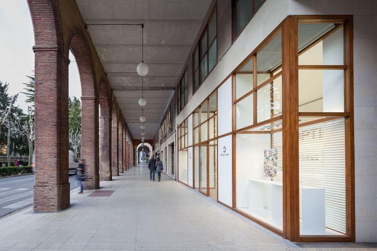 Galería de Óptica Clarà Olot / Arnau Vergés Tejero - 3