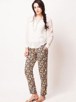 VERO MODA Casual Shirt With Textured Surface + printed pants + slippers
