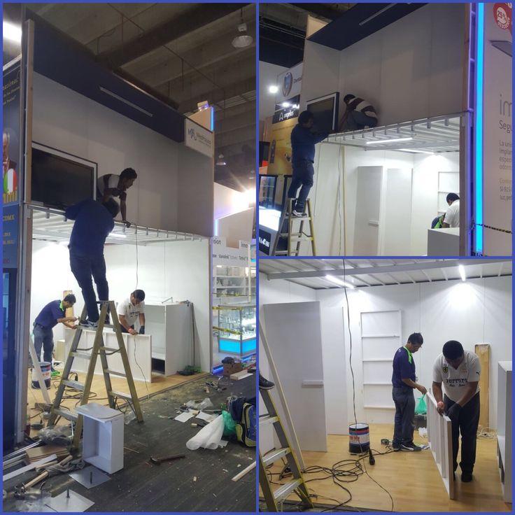 Así comenzó la instalación de nuestro stand en AMIC, nuestro equipo realizó un excelente trabajo.  #AMIC #vistebien #expo #WTC