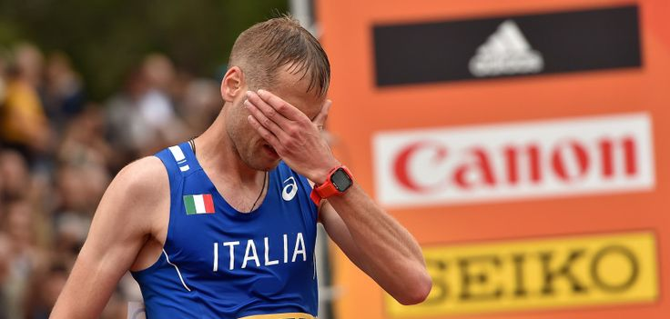 """Gli atleti sono solo l'ultimo anello della catena del doping.  Il caso Schwazer ci racconta di un atleta che era caduto in questo ingranaggio e ne è uscito cercando di colpire tutto il sistema-doping. Il suo alleato in questa operazione: l'allenatore Donati. Ma all'epoca della """"guerra fredda sportiva"""" tra usa e russia, sul campo di battaglia dei grandi scontri restano soprattutto le vite degli atleti.  Un'analisi di un mese fa ancora importantissima: http://www.ultimouomo.com/ancora/"""