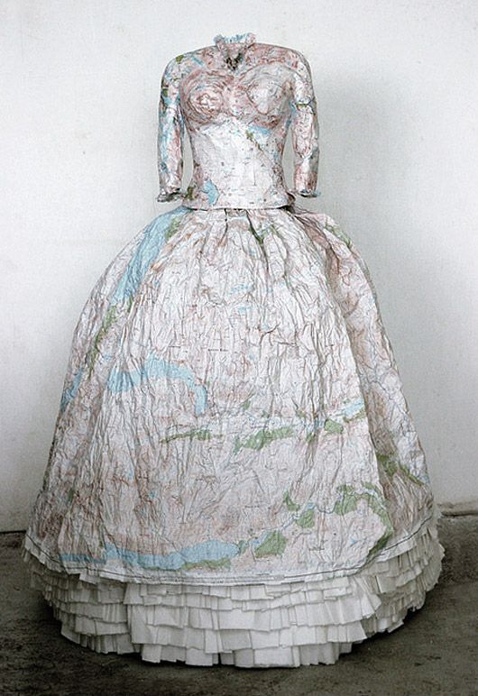 UK-based artist Susan Stockwell create dresses made of paper maps and money are Susan Stockwell's sculptural study on colonialism and the British empire.