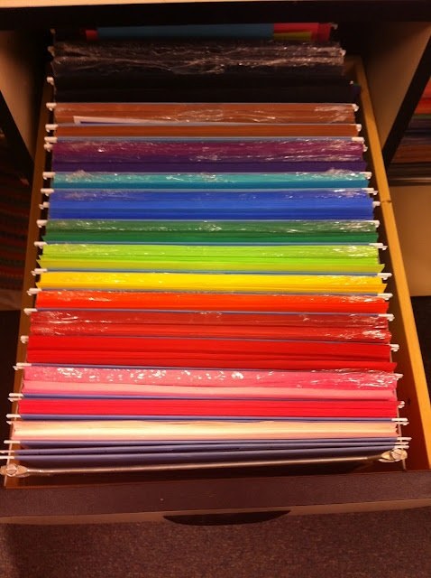 organized construction paper- I like this much better than a messy stack