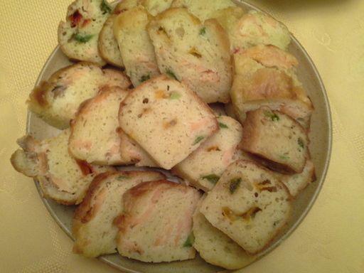 Base cake salé et différentes garnitures - Recette de cuisine Marmiton : une recette