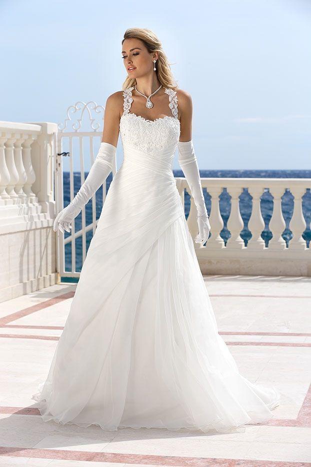 Schlichte Brautkleider - Fachgeschäft für Brautmoden München - Haar