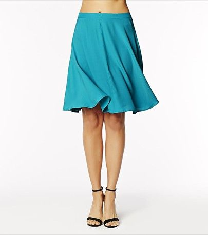 Skirt alert! This beach view midi skirt is a must-have in your summer wardrobe!