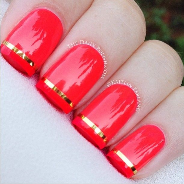 I'm such a fan of metallic strips on nails -- they looks so chic.  .#nails #nailart