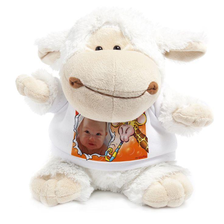 ein Osterlämmchen und noch viele andere Kuscheltiere mit personalisiertem T-Shirt