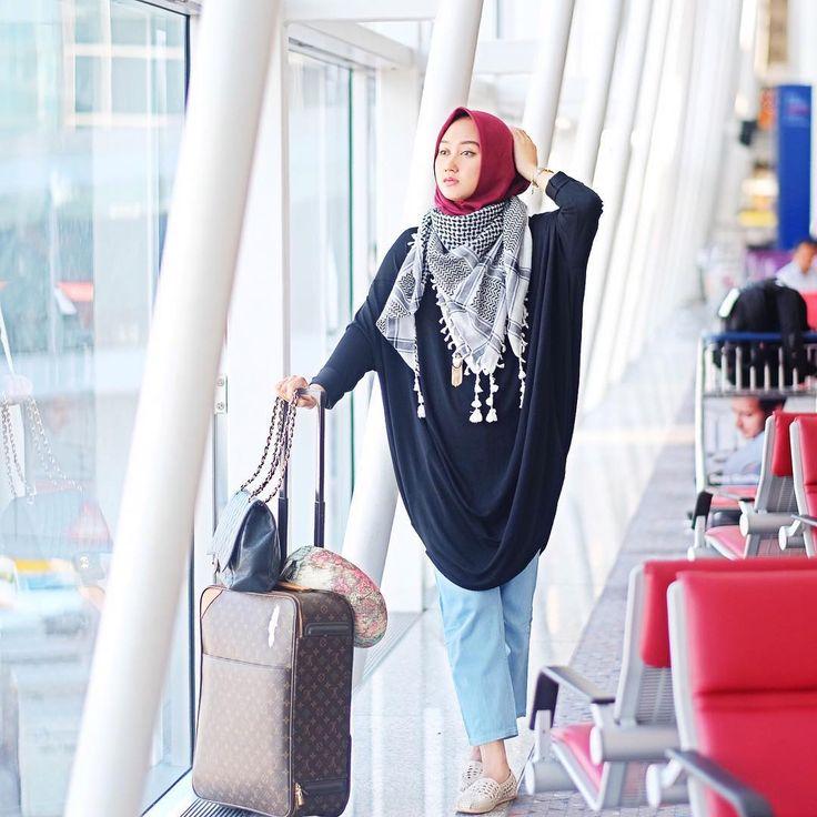 "Dian Pelangi  on Instagram: ""Kind of airport look  #HongKong"""