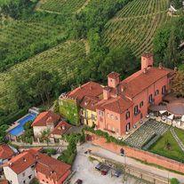 Castello Rosso Hotel Ristorante Costigliole Saluzzo. Amazing Hotel in a beautiful Castle in Piemonte. #tartufoevino