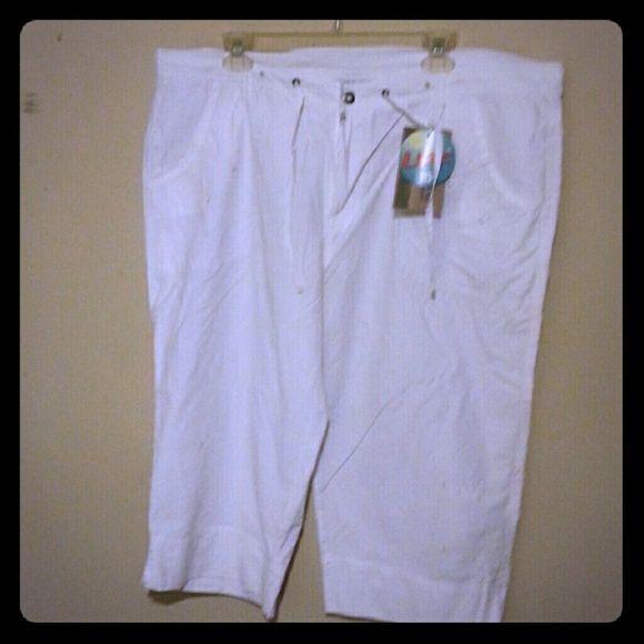 Columbia Sportswear Company White Capri pants. Brand new with tags. Brand is Columbia   Sportswear. Columbia Pants Capris