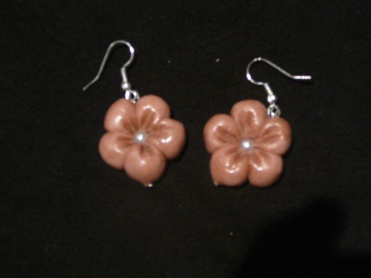 orecchini fiori. orecchini in pasta di mais