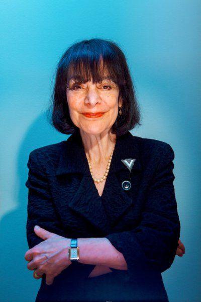 Carol Dweck es doctora en psicología y profesora en la Universidad de Stanford. Es una de las investigadoras más importantes en el campo de la motivación. Sus investigaciones gozan de reconocido pr…