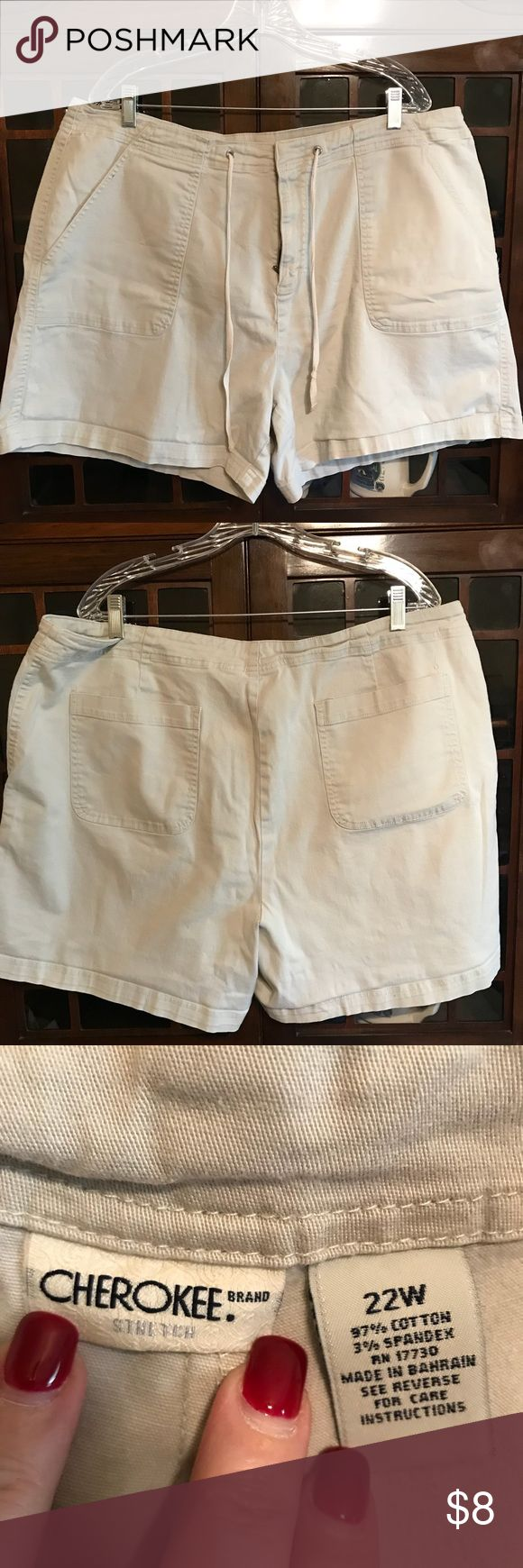 ☀️EUC Cherokee Khaki Women's Shorts☀️ These shorts are in like new condition with no rips or stains.  They are size 22W.  If you have any questions please ask before purchase.  Thank you for browsing my closet. Cherokee Shorts