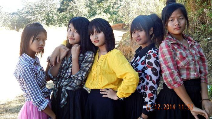 Mizo nula chhelo nge chhe lo Pu HD ? Mizo School girls celebrating advance x-mas