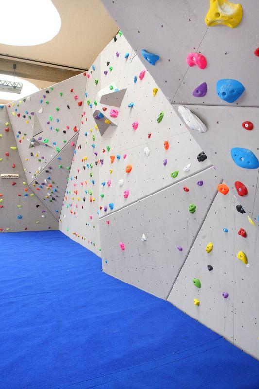 Westminster School Bouldering Wall - DR Climbing Walls