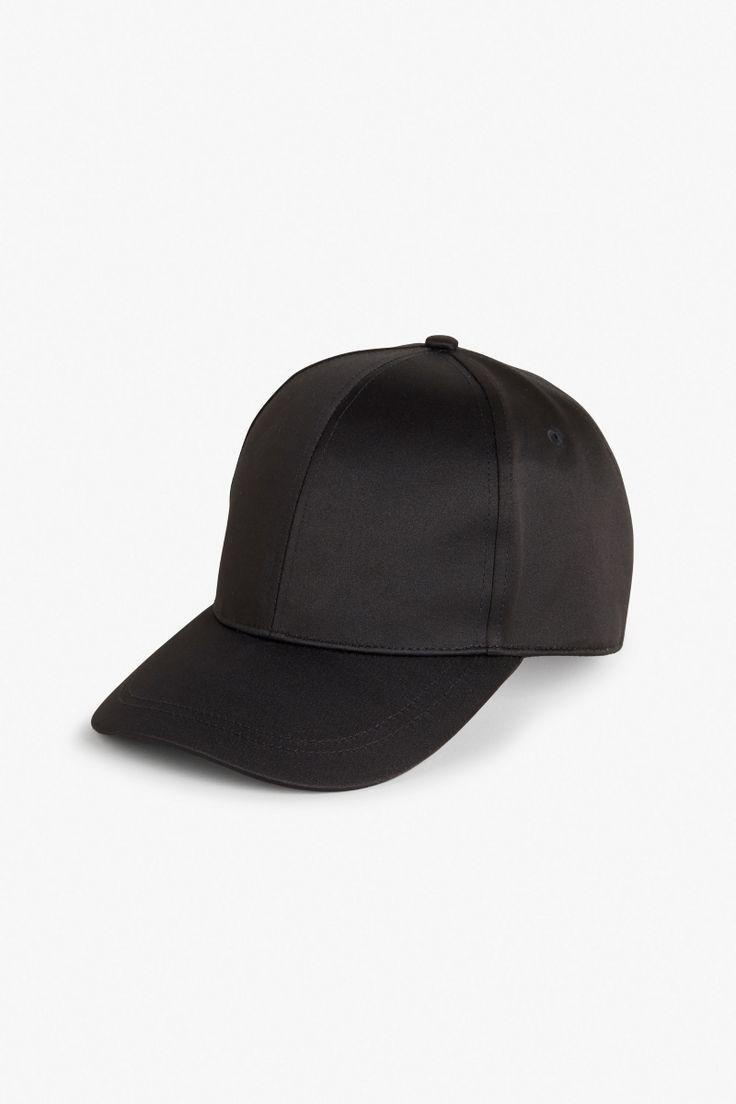 Satin feel baseball hat (MONKI)