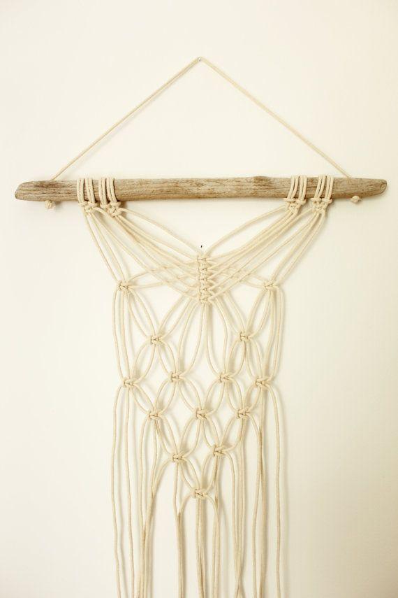 Macramé Wall hanging. White cord macrame. Drift wood.  #macramé #modernmacrame #driftwoodmacrame #bohowallhanging