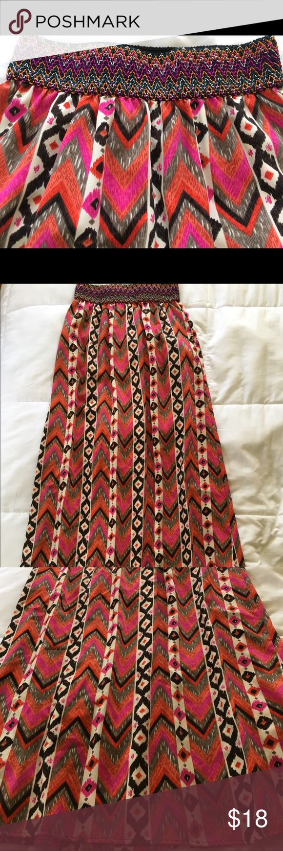 NEW BOUTIQUE TRIBAL PRINT MAXI SKIRT~SMALL BOUTIQUE BRAND NEW SEXY STRAIGHT TRIBAL MAXI SKIRT WITH WIDE BANDED WAIST DeJaVu Skirts Maxi