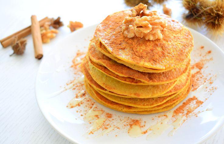 FALL PANCAKES: Pompoen pannenkoeken! (klik op de foto voor het recept) - Liefs, Healthy Wanderlust