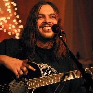 Shaun Morgan of Seether: amazing voice, angsty lyrics, and a South African accent -- beyond SEXY
