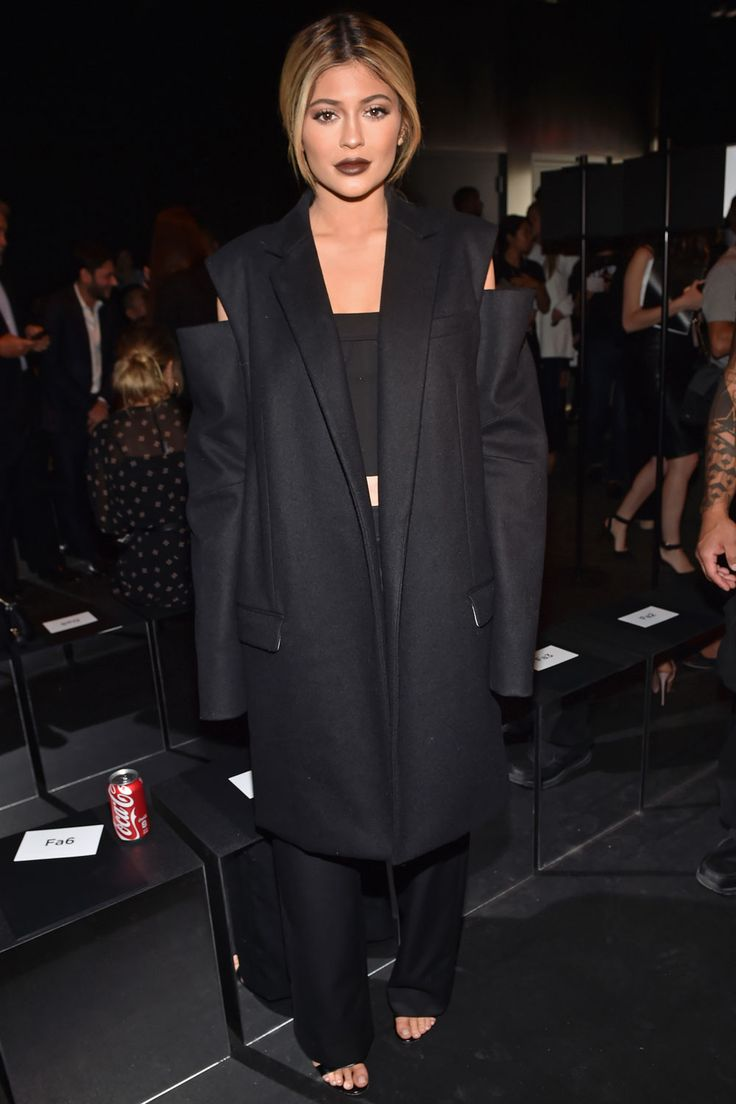 Kylie Jenner just unveiled a *major* NYFW makeover...