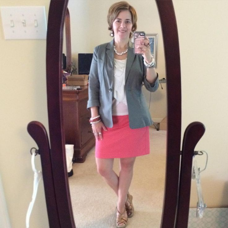 I love mixing colors that are opposite on the color wheel. Today's #OOTD has a coral #anntaylor mini skirt with an army green #cabiclothing blazer over a cream blouse. Folded my blazer sleeves to make room for my #SilpadaStyle bracelets. Jewelry look today features Pearl and Sterling silver with some coral accents. #WhatIWore