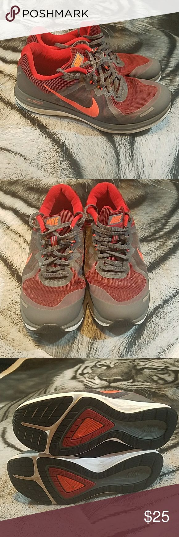 Nike dual fusion x2 shoes Men's nike dual fusion x3 in great condition worn a couple times no box as men's size 9 Nike Shoes