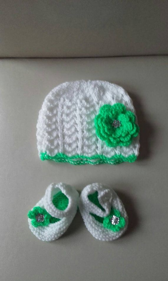 Check out this item in my Etsy shop https://www.etsy.com/uk/listing/498051705/baby-girl-hat-newborn-girl-hat-knitted
